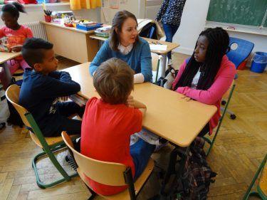 """Der """"pilot Medienclub"""" fördert die Medienkompetenz von Grundschülern"""