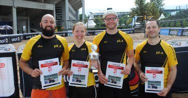 pilot Betriebssport: Das Beachvolleyball-Team gewann den Sport Bild Beach Cup 2017