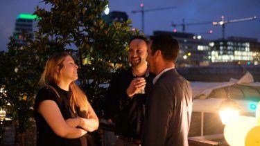 pilot Berlin Sommerfest: Entspannter Austausch unter freiem Himmel an der Spree