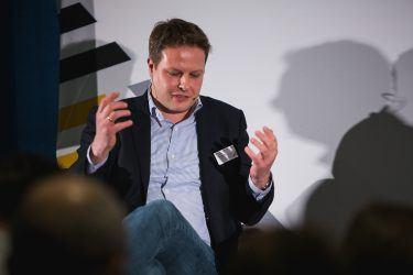 pilot-Geschäftsführer Thorsten Mandel diskutierte bei pilot@OMR 2018 mit Amazon-Vermarktungschef Philip Missler über erfolgreiche Markenkommunikation im E-Commerce-Zeitalter.
