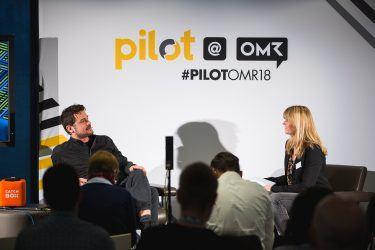 pilot-Geschäftsführerin Petra Kruse im Interview mit Arno Heinisch. Geschäftsführer von Rocket Beans TV, bei pilot@OMR 2018