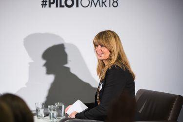 pilot-Geschäftsführerin Petra Kruse im Interview mit Arno Heinisch von Rocket Beans Entertainment bei pilot@OMR 2018 über Bewegtbild-Content und den optimalen Mix von eigenen und fremden Reichweiten.