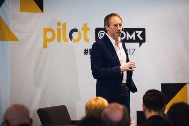 pilot-Geschäftsführer Michael Frank beim Branchen-Event pilot@OMR